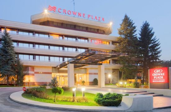 taxi and minibus transfers from bucharest otopeni airport to crowne plaza bucharest city center