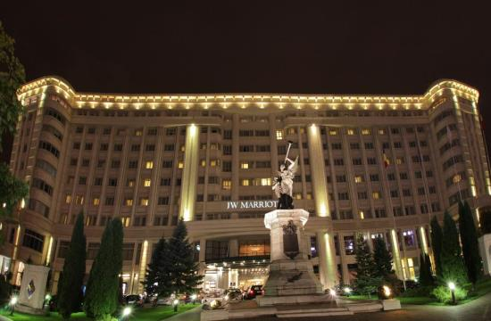 taxi and minibus transfers from bucharest otopeni airport to jw marriott grand hotel hotel bucharest city center