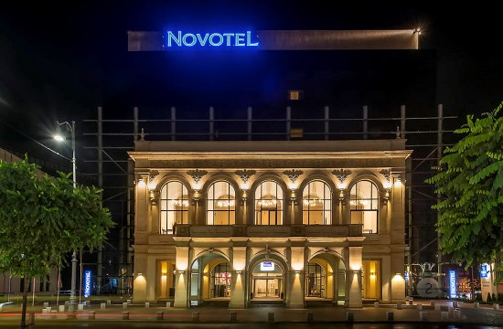 taxi and minibus transfers from bucharest otopeni airport to novotel bucharest city center